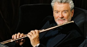 10 Famous Flute Players In History